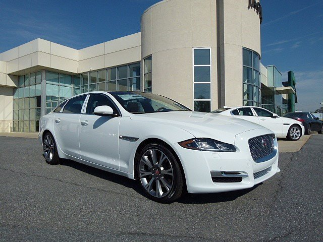 New 2017 Jaguar XJ XJL Portfolio With Navigation & AWD